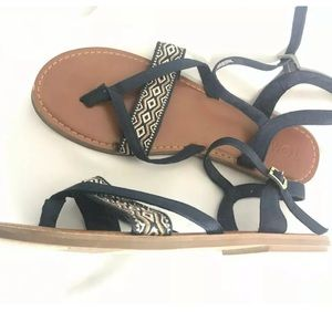 TOMS LEXI Blue Sandals Sz 10 Printed Straps Ankle